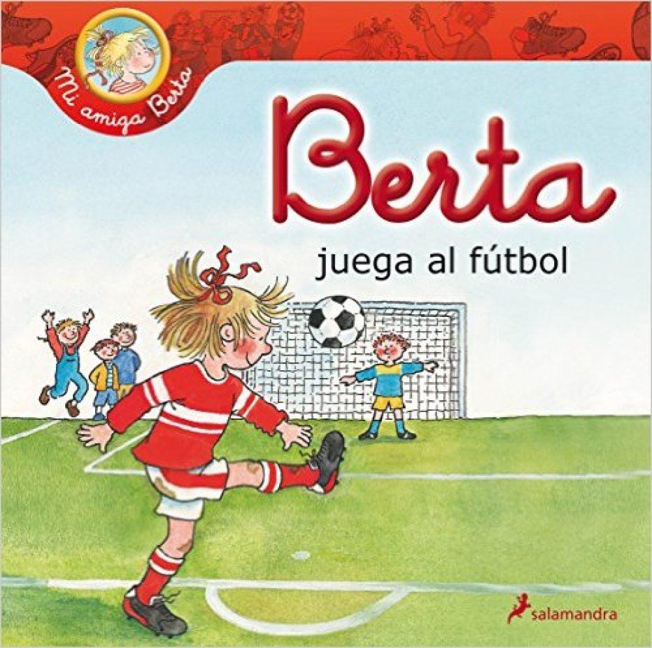 Berta juega al fútbol